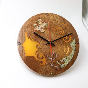 đồng hồ treo tường trang trí nàng thơ Melpomene