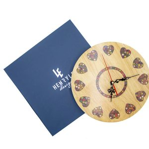 đồng hồ treo tường trang trí sắc màu tình yêu